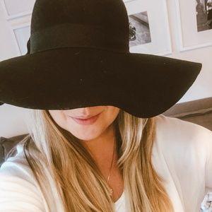 Accessories - Black Floppy Hat